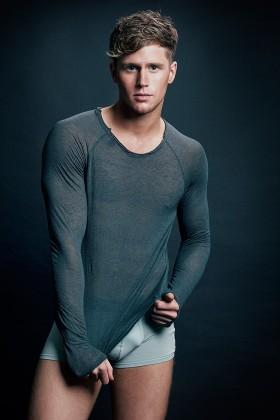 Model : Sam Kneen