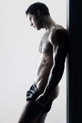 Model : Adam Court